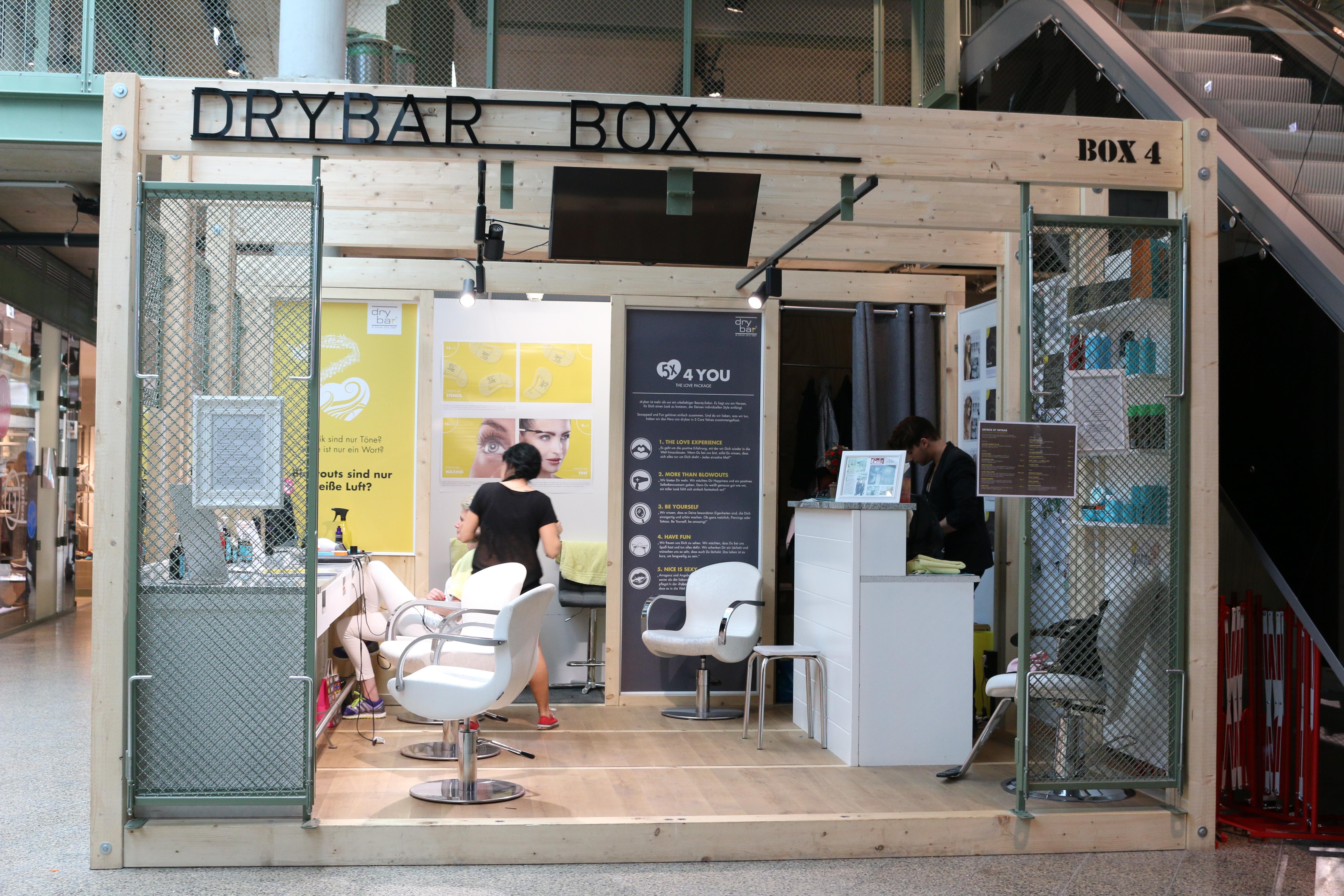 Mercedes Benz Fashion Week - Day 4 - novalanalove